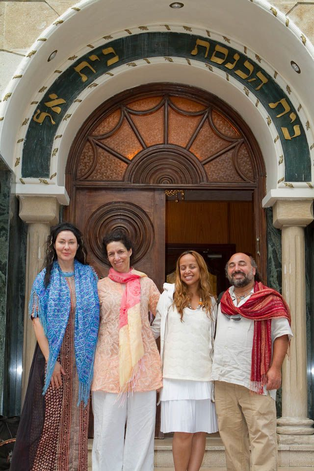 Lee,Suji,Inbar,Dror-At the Door to Temple Bet El, Casablanca